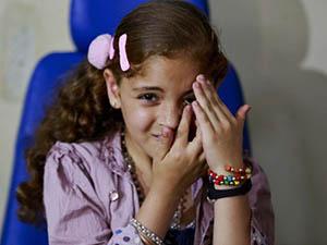 İsrail'in Kör Ettiği Gazzelilere Protez Tesellisi