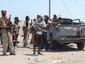 Husiler Taiz'de Sivil Yerleşim Yerlerine Saldırdı