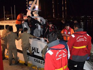Bodrum'da Göçmenleri Taşıyan Bot Battı