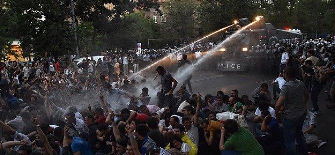Ermenistan'da Elektrik Zammı Protestoları Sürüyor