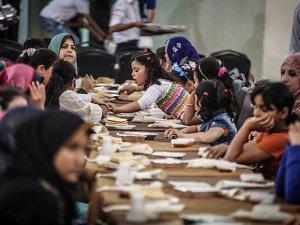 Türkiye Kızılayından Gazzeli Yetimlere İftar
