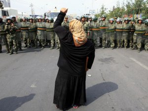 Çin'deki Oruç Yasağına Tepki