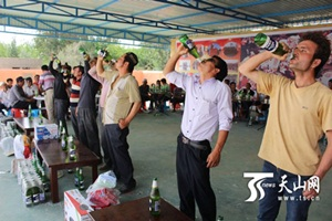 Çin Zulmü: Ramazan'da İçki Yarışması