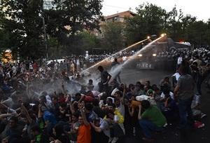 Ermenistan'da Protestolar Büyüyor
