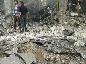 Esed Güçlerinden Dera'ya Varil Bombalı Saldırı