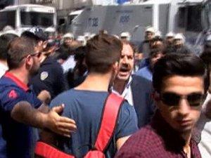 Turan Ocakları Üyeleri, Taksim'de LGBT'lileri Kovaladı