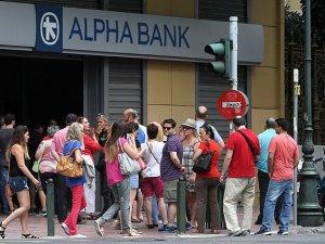 Yunanistan'da Bankalar Kapalı