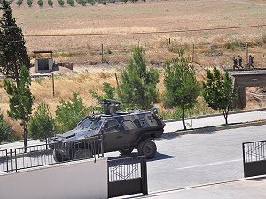 Van'da Zırhlı Araca Roketatarlı Saldırı