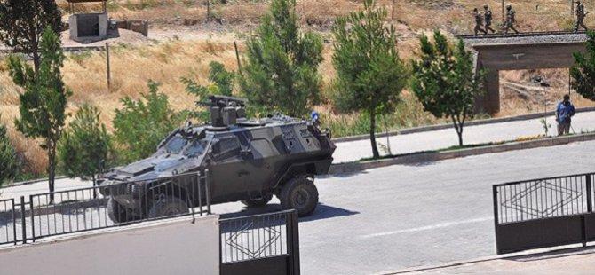 Sınır Hattına Zırhlı Araçlar Konuşlandı