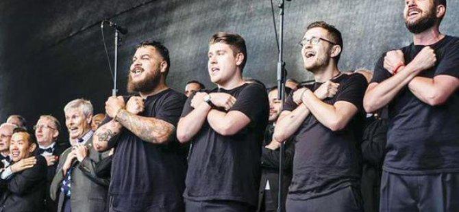 Eşcinsel Grup Boğaziçi Üniversitesi'nde Konser Verdi