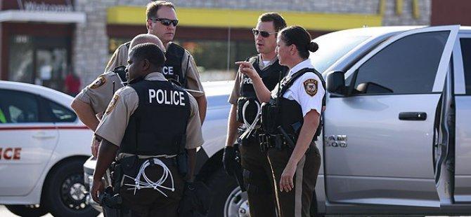 """ABD'de Polise """"Zorla Başörtüsü Açma"""" Davası"""