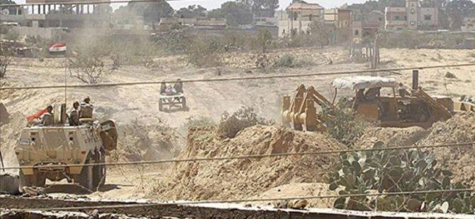 Mısır Askerlerine Saldırı Sonrası Sina'ya Bombardıman