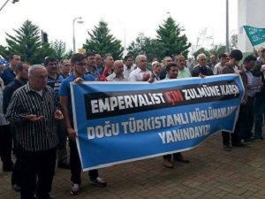 Eynesil'de Doğu Türkistanlı Kardeşlerimize Destek Eylemi Yapıldı!