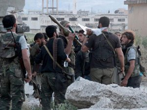 Direniş Örgütleri Halep'te Esed Güçlerine Karşı İlerliyor