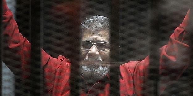 """Mısır Cuntası Mursi'yi """"Teröristler Listesi""""ne Aldı!"""