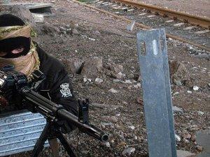 IŞİD Suriye'nin Karyatayn Kentini Ele Geçirdi