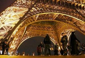 Fransa'da Olağanüstü Hal Yasa Tasarısı Kabul Edildi