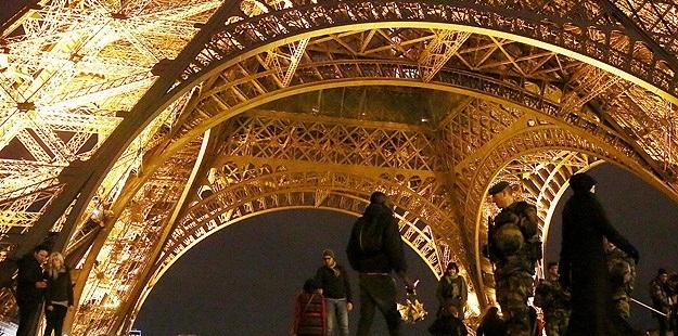 Fransa Mahkemesi Yurt Dışına Çıkış Yasağını Bozdu