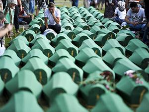 Srebrenitsa'da Kurbanların Cenazesi Potoçari Mezarlığı'nda