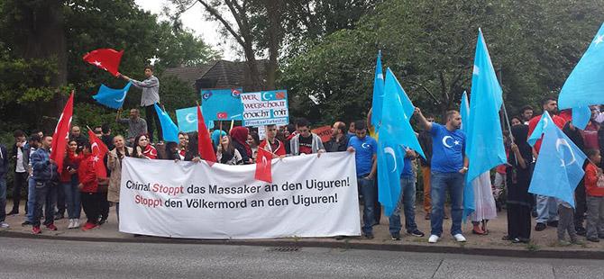 Hamburg'da Doğu Türkistanlı Müslümanlara Destek
