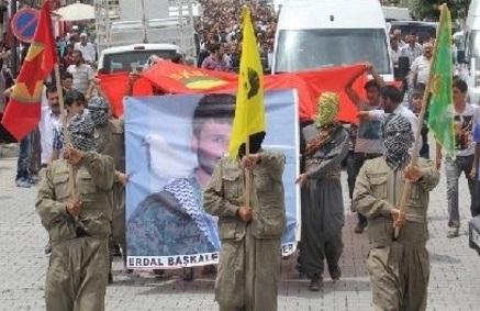 Suriye'de Çatışmada Ölen YPG'li İçin Van'da Tören