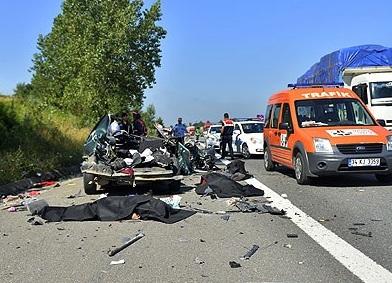 Türkiye'de Trafik Kazaları 10 Yılda 40 Bin Can Aldı