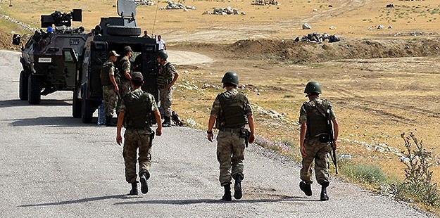 PKK'li Saldırganlar Iğdır'da Askerlere Taciz Ateşi Açtı