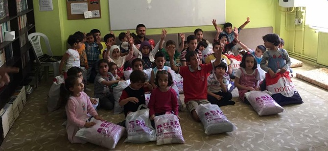 Sivas Özgür-Der Bayramda Muhacir Çocukları Unutmadı
