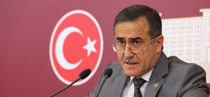 İhsan Özkes CHP'den İstifa Etti