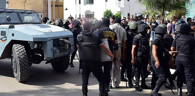 Mısır'da Cunta 'Yağmalıyor'