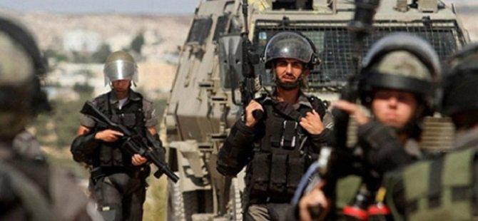 Batı Şeria'daki El-Emari Mülteci Kampı'na Kanlı Baskın