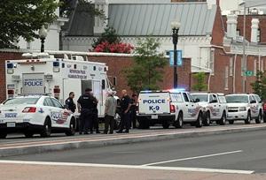 ABD'de Sinema Baskını: 3 Ölü, 7 Yaralı