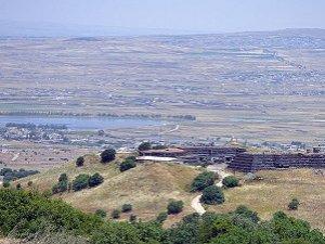 """Siyonistler Golan'daki """"Ateşkes Hattına"""" Hendek Kazdı"""
