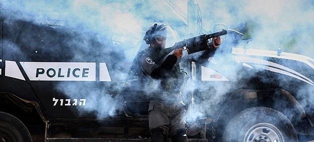İşgal Polisi Mescid-i Aksa'da Ateş Açtı