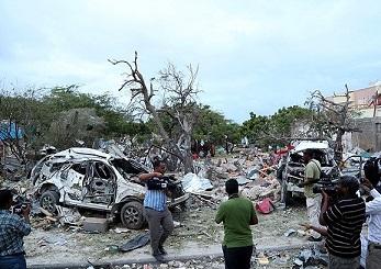 Somali'de Otele Bombalı Saldırı: 10 Ölü