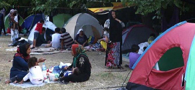 Yunanistan'da Göçmenler Yaşam Mücadelesi Veriyor