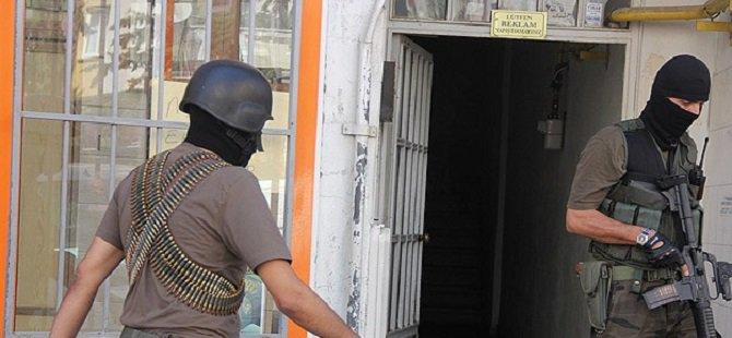Hakkari'de 8 Kişi Gözaltına Alındı