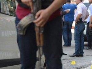 Van'da Polis Aracına Saldırıda Bir Gözaltı