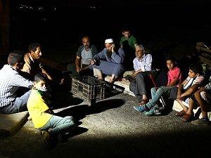 Filistin'de Siyonist Saldırılara Karşı Gece Nöbeti