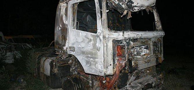 PKK Erzurum'da 3 Tırı Ateşe Verdi