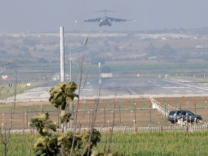 ABD'ye Ait 8 Askeri Uçak İncirlik'te