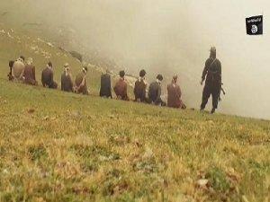 IŞİD Taliban Üyelerini Şov Yaparak İnfaz Etti