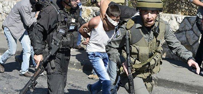 Siyonistler 12 Yaşındaki Filistinli Çocuğu Gözaltına Aldı