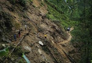 Çin'de Heyelan ve Kömür Madeninde Patlama!