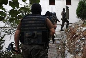 Diyarbakır'da Belediye Eş Başkanları Gözaltına Alındı
