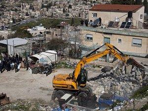 Siyonistler Filistin'de Yine Ev Yıktı