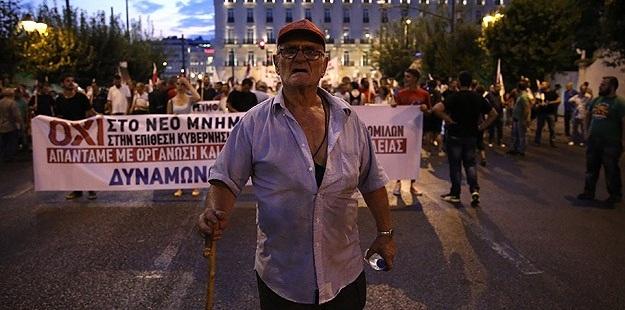 Yunanistan'da 3. Kurtarma Paketi de Protesto Edildi