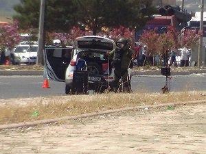 Bomba Yüklü Araç Fünye İle Patlatıldı