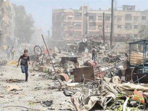 Esed Rejimi Pazar Yerini Bombaladı: 80 Ölü