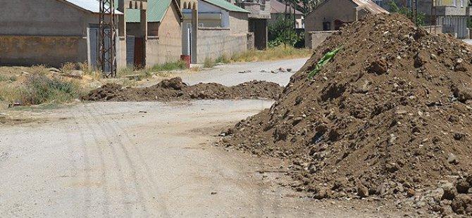 PKK Yüksekova'da Halkı Göçe Zorluyor